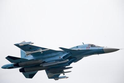 俄2架蘇34戰機空中「連撞2次」無人傷亡