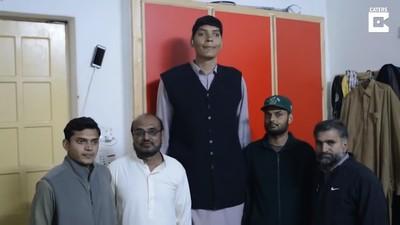 巴基斯坦244cm全國最高男難尋真愛