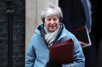 英國會通過修正案 移除「硬脫歐」