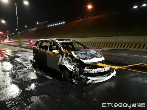 影片曝光!捷運保全下班迴轉遭撞 「機車瞬間解體」噴10米慘死