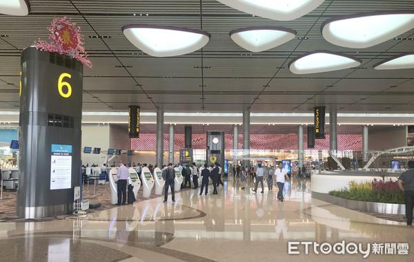 新加坡樟宜機場跑道關閉10小時!武裝部隊「調查無人機」 37航班被延誤