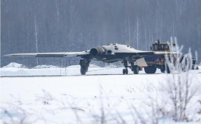 俄「獵人」隱形無人機高清照曝光