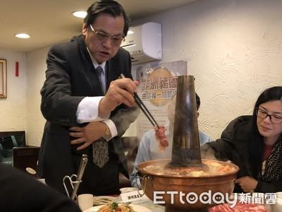 陳明通邀陸配圍爐 談非洲豬瘟