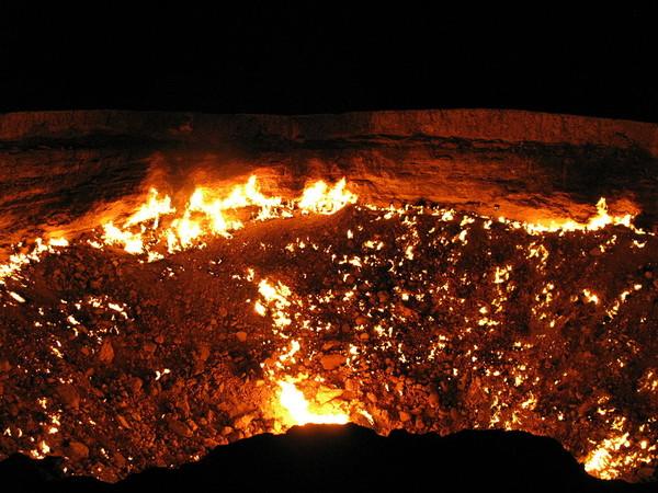 ▲▼魔鬼的故鄉!土庫曼「地獄之門」 魅火長生不滅。(圖/翻攝自維基共享資源)
