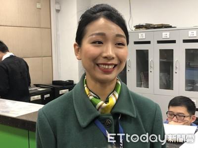 黃佳瑩四年半拚上座艙長春運首飛高雄