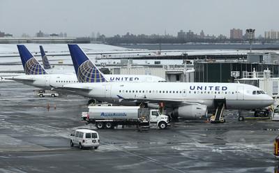 即/航管缺人 紐約機場停止降落