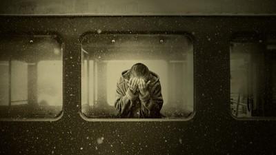 拋棄父親逃亡!女兒跳下集中營列車超悔恨..20年後收到父親遺言淚崩