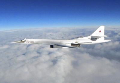 俄轟炸機逼近 美加4戰鬥機伴飛