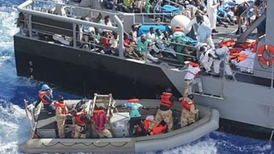難民悲歌!手無寸鐵遭警掃射 無數老弱未到岸先溺斃