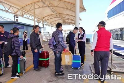 小三通旅客暴增 將增人力、電子閘門