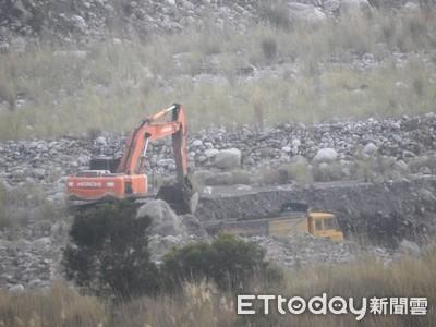 合法掩護非法 大安溪砂石遭盜採