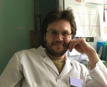 他買假執照行醫 被起底16歲肢解同學飲鮮血