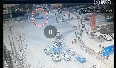 台旅團上海斷魂!BMW暴衝瞬間曝光