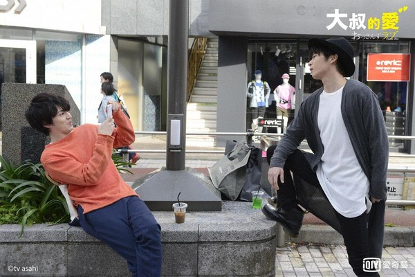 田中圭與林遣都因為《我的大叔》知名度向上提升不少。(愛奇藝台灣站提供)