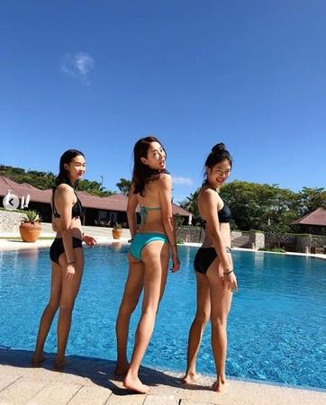 ▲賈永婕母女3人穿比基尼入鏡。(圖/翻攝自賈永婕Instagram)