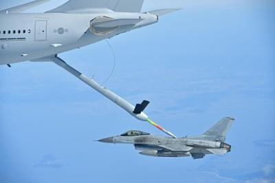 南韓首架空中加油機正式服役