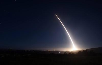美軍試射「義勇兵三型」飛彈