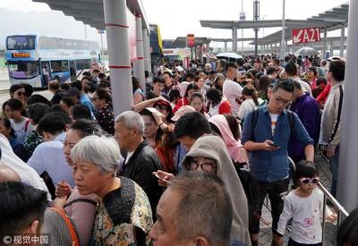 港珠澳大橋初三出入境人數近16萬