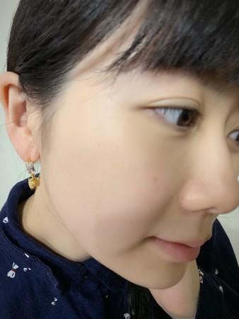 ▲福原愛收到江宏傑送的金豬耳環。(圖/翻攝自臉書)