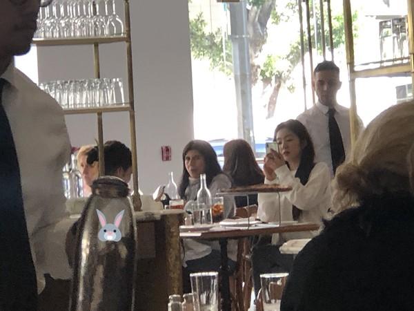 ▲▼Irene和Jennie在洛杉磯見面搶著付帳。(圖/翻攝自推特)