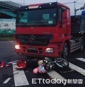 砂石車左轉撞機車 騎士卡車頭喪命