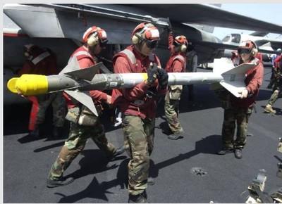 垂直炸毀行進中卡車!美軍「中國湖」曝光