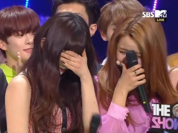 ▲CLC出道近4年終得音樂節目冠軍!「成員辛苦了」全體爆哭。(圖/翻攝自SBS)