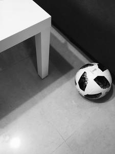 《兒子愛踢球》驚悚短篇小說