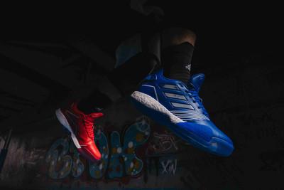 致敬T-Mac adidas推紅藍鴛鴦配色