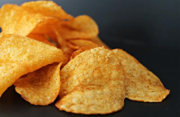 洋芋片,零食。(圖/Pixabay)