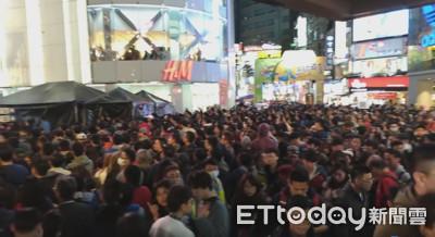 快訊/西門燈會擠爆!捷運站2出口只進不出