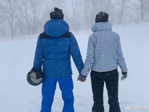 ▲袁詠儀與張智霖相戀27年,在演藝圈中是出名的恩愛夫妻檔。(圖/翻攝自Facebook/張智霖)