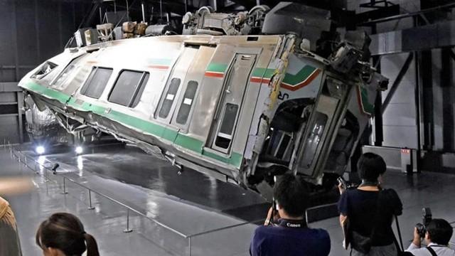出軌列車原封展出 「事故歷史博物館」讓鐵路職員記取血淚教訓