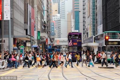 訪港旅客升14% 陸客消費大跌18.5%