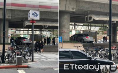 即/賓士車「爬樓梯」衝進唭哩岸捷運站