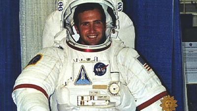 全球第一個「在月球上啪啪」的人 背後隱藏NASA竊盜案和不倫戀陰謀