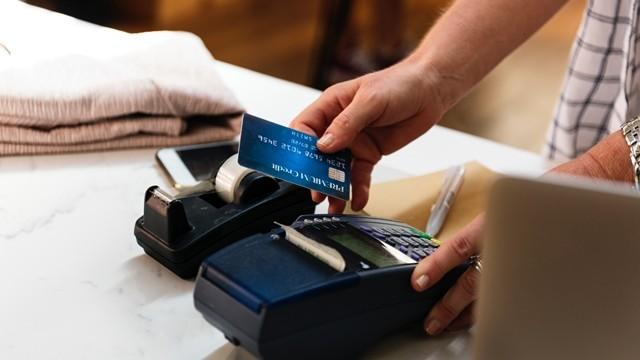 信用卡,刷卡,(圖/取自免費圖庫pexels)