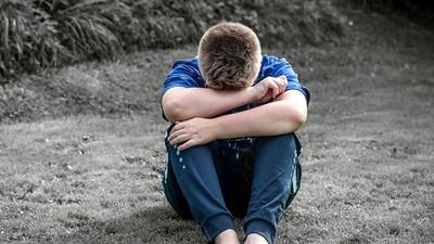 高富帥男友坦承童年遭性侵 20歲女遲疑:該不該分手?