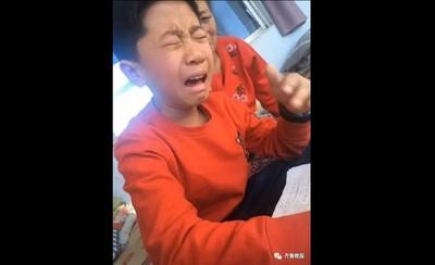 男童寫作業字跡全消失當場「崩潰痛哭」