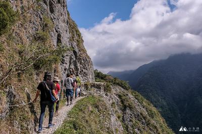 錐麓古道700公尺懸崖邊的屏息美景