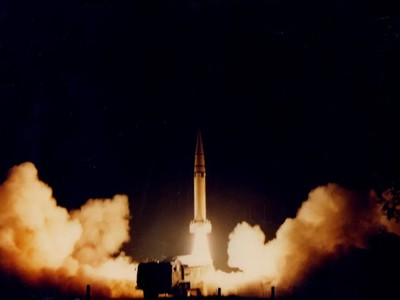火箭軍公布台海危機東風15發射照
