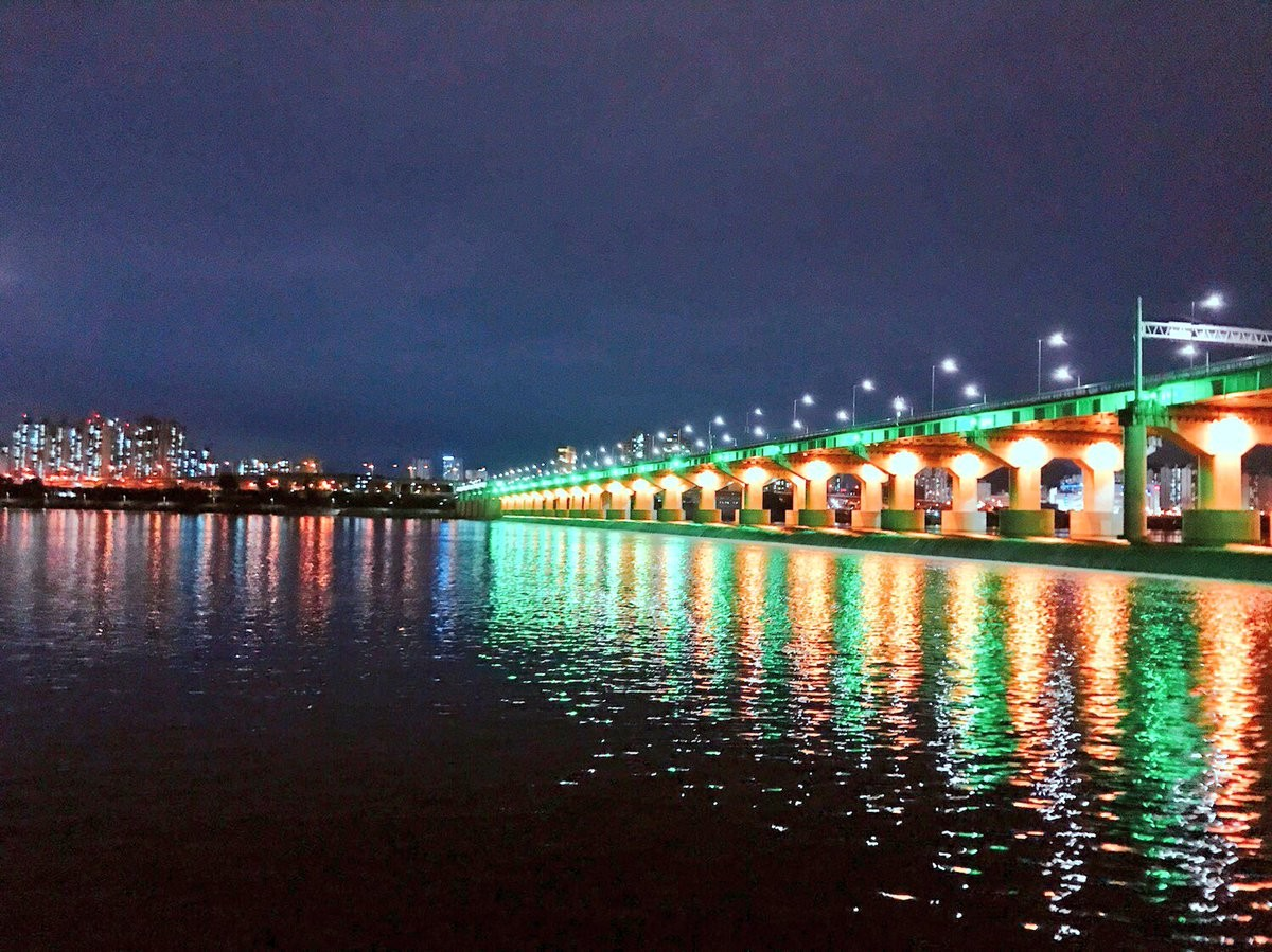 ▲▼蠶室大橋(圖/翻攝自Twitter@TyT1226)