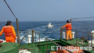 舢舨遠距失去動力 台南海巡救援