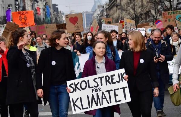 ▲▼瑞典16歲女孩桑柏格(Greta Thunberg)罷課抗議氣候變遷。(圖/翻攝自Facebook/Greta Thunberg)