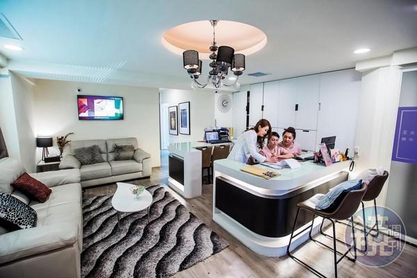 台中店開在金錢豹酒店旁邊,裝潢精緻,有八間按摩室,隱密性也很高。