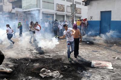 委內瑞拉邊境爆衝突 3守軍倒戈