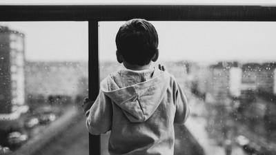 內心有個空缺填不滿 小時父母離異頓失安全感 人格再剛強也會改變