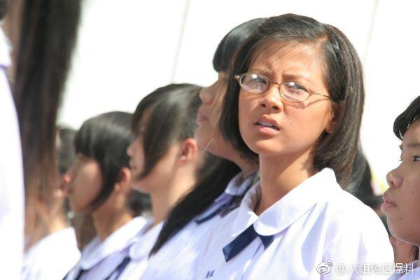 ▲平采娜在《初戀小事》是學生頭。(圖/翻攝自微博)