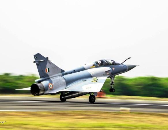巴基斯坦關閉領空「台灣民航也受影響」 警告印度:把戰機撤出前線