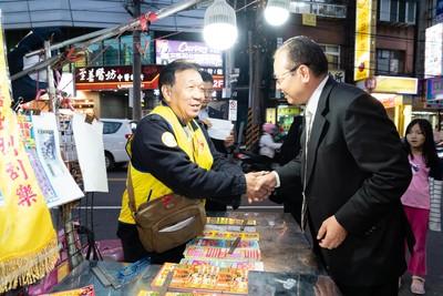 景美夜市開出刮刮樂千萬頭獎 50歲小兒麻痺攤販老闆售出